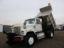 2000 INTERNATIONAL 2554 DUMP TR