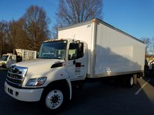 2013 HINO 338 Box truck - strai