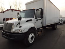 2007 INTERNATIONAL 4300DT BOX T