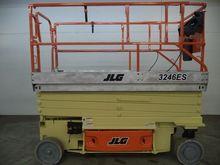 Used 2006 JLG 3246ES