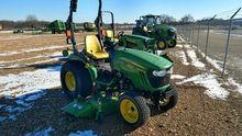 2015 John Deere 2032R Tractors