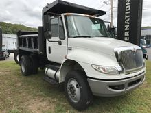 2011 INTERNATIONAL 4400 DUMP TR