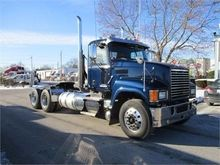 2012 MACK PINNACLE Tractor