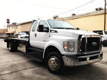 2017 FORD F650 Flatbed truck
