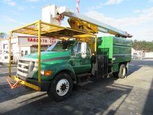 2006 FORD F750 Bucket truck - b