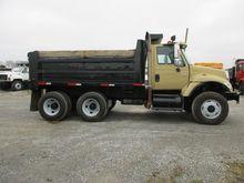 2003 INTERNATIONAL 7500 Dump tr