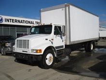 1995 INTERNATIONAL 4700 Box tru