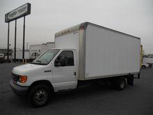 2007 FORD E350 Box truck - stra