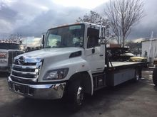 2017 HINO 258 ROLLBACK TOW TRUC