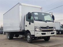 2016 HINO 155 Box truck - strai