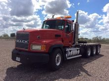 2006 MACK CL700 CONVENTIONAL -
