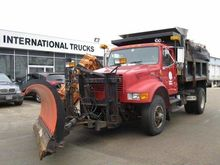 2000 INTERNATIONAL 4900 Dump tr
