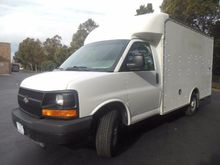 2003 Chevrolet G3500 Box truck