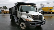 2012 INTERNATIONAL 4300 DUMP TR