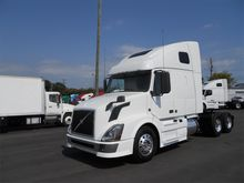 2012 VOLVO VNL Conventional - s