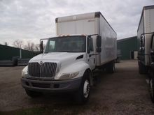 2006 INTERNATIONAL 4300 BOX TRU
