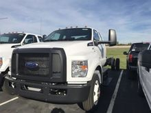 2017 FORD F-750 BOX TRUCK - STR