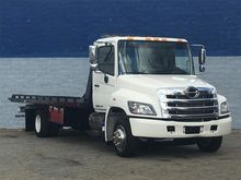2015 HINO 258 Rollback tow truc
