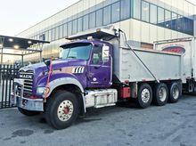 2012 MACK GRANITE GU713 Dump tr