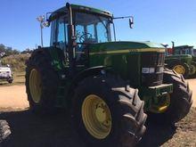 2000 JOHN DEERE 7710 Tractors
