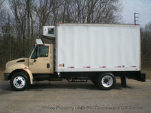 2003 INTERNATIONAL 4200 REEFER