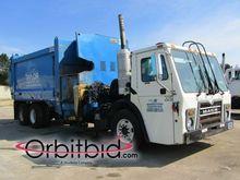 2010 MACK LE603 Garbage truck
