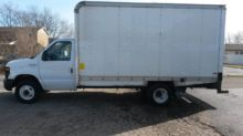 2011 FORD E-SERIES Box truck -