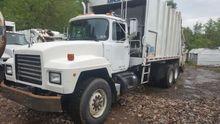 1998 Mack RD 2RII Garbage truck