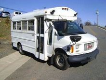 2002 GMC SAVANNA G3500 BUS