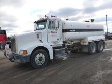 1996 PETERBILT 385 Water truck