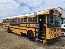 2001 THOMAS SAF-T-LINER Bus