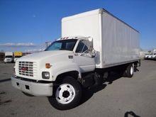 2000 GMC C7H042 BOX TRUCK - STR