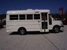2006 CHEVROLET EXPRESS Bus