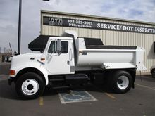 1997 INTERNATIONAL 4900 DUMP TR