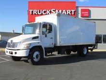 2008 Hino 268 Box truck - strai