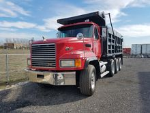 Used 2000 MACK CL713