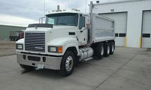 2010 MACK PINNACLE CHU613 DUMP