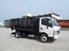 2017 HINO 195 ROLL OFF TRUCK