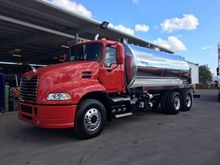 2011 MACK VISION Sewer trucks
