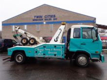 2007 UD 1800 WRECKER TOW TRUCK