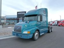 2001 VOLVO VNL CONVENTIONAL - S