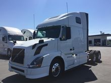 2014 VOLVO VNL CONVENTIONAL - S