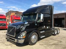 2010 VOLVO VNL64T670 CONVENTION