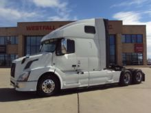 2014 VOLVO VNL64T670 CONVENTION