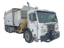 2004 HEIL Garbage truck