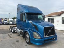Used 2010 VOLVO VNL