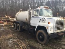 1982 FORD L8000 WATER TRUCK