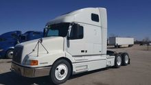 2000 VOLVO VNL CONVENTIONAL - S