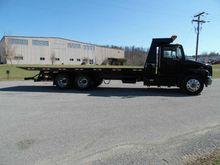 2001 FREIGHTLINER BUSINESS CLAS