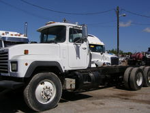 1994 MACK RD690P CAB CHASSIS